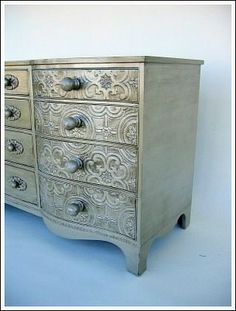 lovely idea for upcycling furniture: painted and embossed wallpaper Furniture Projects, Furniture Making, Furniture Makeover, Diy Furniture, Furniture Refinishing, Furniture Storage, Furniture Outlet, Furniture Design, Repurposed Furniture