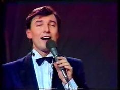 Karel Gott - Oči sněhem zaváté (live 1984) Gott Karel, Rest In Peace, Idol, Mens Sunglasses, Live, Celebrities, Music, Youtube, Musica