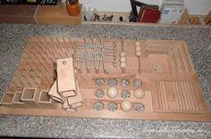 Katzen-Fummelbrett aus Holz selbst gebaut