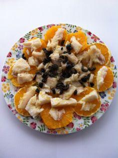 Naranja, bacalao y aceitunas negras