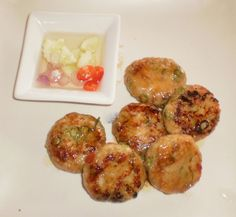Whilst on holiday in Thailand last year I attended Pums cooking school, the author of 'Pums lazy cuisine' we made these Fish cakes and on my return I converted the recipe for my Thermomix. I origin...