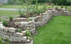 Garten Trockenmauer Naturstein Hochbeet-Inspiration Garten Trockenmauer Na… Sponsored Sponsored Garden drywall natural stone raised bed inspiration garden drywall natural stone Stone Raised Beds, Plants For Raised Beds, Building Raised Garden Beds, Landscaping With Rocks, Backyard Landscaping, Landscaping Ideas, Above Ground Garden, Dry Stone, Succulents In Containers