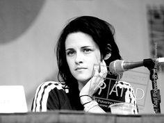 http://premiuminternetproducts.com/twilightmovie  Kristen Stewart