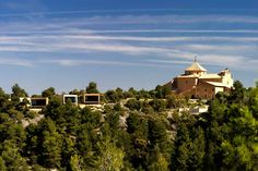 The Hotel Consolación, in the rural mountain town of Teruel, Spain, is made up of 10 freestanding, wood-clad modernist cubes. Beautiful Hotels, Beautiful Places, Hotel World, Amazing Buildings, Modern Landscaping, Beautiful Architecture, Best Hotels, Great Places, Countryside