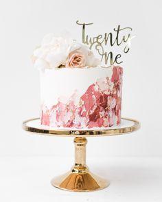 Birthday Cake For Women Elegant, 21st Birthday Cake For Girls, 22nd Birthday Cakes, Elegant Birthday Cakes, Adult Birthday Cakes, Beautiful Birthday Cakes, Birthday Cake Ideas For Adults Women, Woman Birthday Cakes, 21 Bday Cake