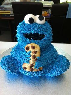 Cookie monster cake...My favorite character...this was too cute not to share!