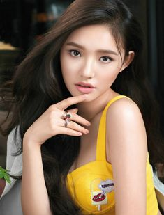 The Most Beautiful Girl, Beautiful Asian Girls, Beautiful Women, India Beauty, Asian Beauty, Chinese Actress, Cute Asian Girls, Classy Women, Asian Woman