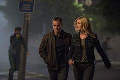 Matt Damon and Julia Stiles in Jason Bourne (2016)