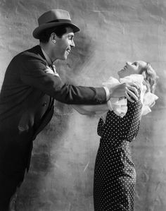 Carole Lombard and Fred MacMurray on the set of Hands Across the Table (1935)
