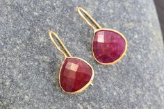 Ruby Cut faceted heart shape earrings Vermeil gold by AristaBeads