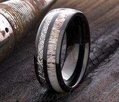 Wooden Wedding Bands, Unique Wedding Bands, Wedding Men, Wedding Stuff, Wedding Rings, Wedding Ideas, Promise Rings For Guys, Rings For Men, Antler Wedding