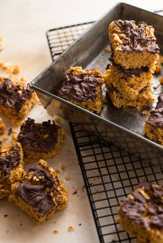 Recipe: Cornflake and Peanut Butter Squares. I discovered them years ago, and these crispy little clusters of cereal covered in dark chocolate have become an obsession of mine. Here's my riff on them in bar form, with a tasty peanut butter twist! Cereal Recipes, Snack Recipes, Dessert Recipes, Snacks, Gf Recipes, Recipies, Delicious Recipes, Cookie Recipes, Vegetarian Recipes