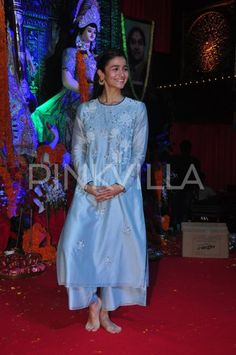 Alia looks soaked in festivities as she gets snapped at a Puja Pandal! | PINKVILLA