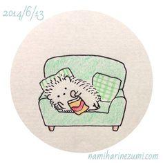 Hedgehog on sofa munching crisps Hedgehog Drawing, Hedgehog Art, Cute Hedgehog, Doodle Drawings, Kawaii Drawings, Animal Drawings, Cute Drawings, Hedgehog Illustration, Cute Illustration