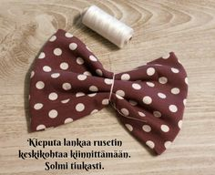 DIY Turbaanipipo rusetilla - Punatukka ja kaksi karhua Turban Tutorial, Diy Baby Headbands, Kids Hats, Sewing Crafts, Diy And Crafts, Projects To Try, Barbie, Sewing Ideas, Dolls