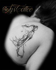 tatouage haut du dos femme, représentation d'une femme à l'esprit libre par Lys Tattoo à Gradignan proche de Bordeaux et Bassin d'Arcachon Bordeaux, Tattoos, Instagram, Tattoo Bird, Tattoo Studio, Free Spirit, Tatuajes, Bordeaux Wine