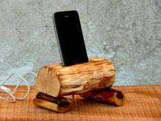 1. Driftwood iPhone Dock. | Be Unique With An Eco-Friendly Woodworks.