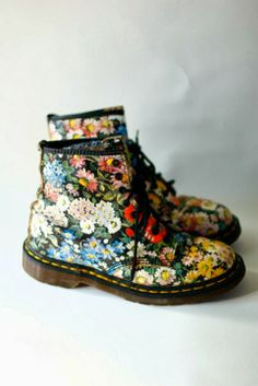 Martens Grunge Boots. why do i not have these?!
