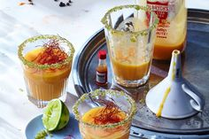 Laktosefreier Powerdrink: Scharfer Shake mit Mango, Papaya und Kokosmilch
