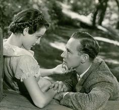 Frances Dee and Leslie Howard in Of Human Bondage