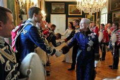 January 5, 2016 Reception greeting, Copenhagen This morning, Queen Margrethe, Prince Frederik and Princess Mary attended two receptions in honor of greeting. The first reception was held at the Royal Palace in honor of the Supreme Court and members of the royal guard. The second was in honor of the diplomatic corps and was held at Christiansborg Palace in Copenhagen-Royals & Fashion