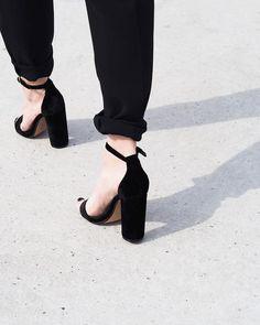 211 vind-ik-leuks, 13 reacties - Lisa Kouwenberg (@llittleblonde) op Instagram: 'Get your heels ready!! It's friday ✔ #heels #stevemadden'