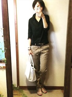 Comfortable and casual. Great bracelet and sandals too. I Love Fashion, Fashion Pants, Daily Fashion, Fashion Outfits, Womens Fashion, Capsule Outfits, Mode Outfits, Work Casual, Casual Chic