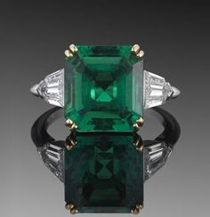 4.81ct Colombian Emerald and Diamon Ring