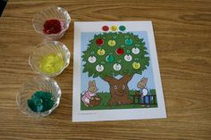 Could Tate make me something like this?Apple Tree ABC is a fun hands-on literacy game for increasing letter identification skills in Preschool, Pre-K, Literacy Games, Preschool Literacy, Preschool Lessons, Preschool Activities, Preschool Apples, Kindergarten, Preschool Boards, Preschool Letters, Alphabet Activities