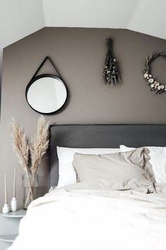 Susan Törnqvist – Interior By Susan Bedroom Inspo, Bedroom Wall, Plywood Furniture, Modern Interior, Home Interior Design, Re Room, Modern Master Bedroom, Hans Wegner, House Doctor