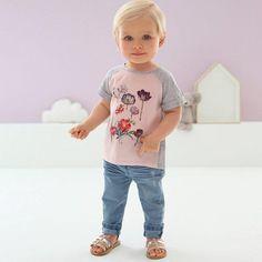 Désormais, les bébés stylés s'habillent en R Baby !