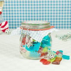 Mit diesem Süßigkeiten-Glas bist Du Papas kleiner Stolz!  #derzuckerbäcker #DerZauberderKindheit #mehrFreudewenigerErnst #vatertag #geschenke #papa #happycola #schlümpfe #kirsche #süßes #candy #sweets #süßigkeiten Snow Globes, Home Decor, Chewing Gum, Cherry, Father's Day, Proud Of You, Birthday, Gifts, Decoration Home