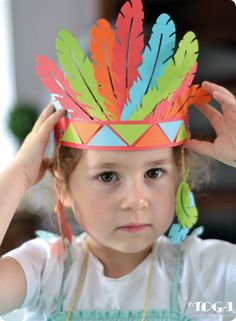 Discover recipes, home ideas, style inspiration and other ideas to try. Headband Crafts, Hat Crafts, Red Indian, Indian Art, Diy For Kids, Crafts For Kids, Indian Birthday Parties, Lollipop Birthday, Pilgrims And Indians