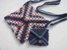 granny bag and purse made from crochet granny squares, great idea for a first project.