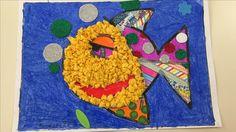 Hem fet aquest dibuix amb xiquets de 5 anys i diferents tècniques:boletes de paper de seda, pintura de dit, goma eva , ,...