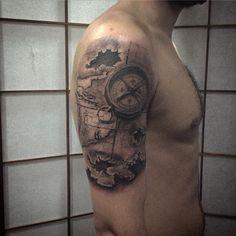 Mapa feito a um tempo atrás.. Na foto a bússola já está cicatrizada. #tattoo #tattoos #map #tatuagem - gcontreiras