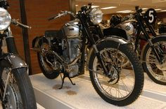 For its post-war 1945 programme, BSA listed 4 models, only one of which was not a pre-war design. This was the model B31, an entirely new 350cc roadster, the engine being based partly on the pre-war B29 Silver Sports, but with a stiffer M type crankcase and partly on a wartime prototype with an iron engine and hairpin valve springs. The B31 was one of the first BSA motorcycles to be fitted with telescopic forks and the bike was very well received, getting a glowing MotorCycligh road test…
