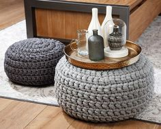 Most Trendy Knit Cushion/Puff – Knitting And We Pouf En Crochet, Crochet Pillow, Diy Crochet, Bohemian Living Rooms, Knitted Cushions, Knitting Yarn, Home Accessories, Diy Home Decor, Blanket