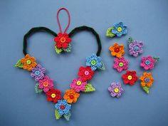 #Crochet Flower Heart-Shaped Wreath Tutorial free from Attic24