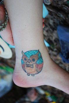http://fyeahtattoos.com/post/4956670881/my-owl-tattoo-hes-rounder-but-its-awkward