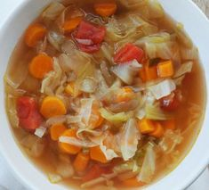I decided to do the 7 Day Detox Cabbage Soup for the simple reason of my inflammation to my spine during the summer months. Detox the body in 7 days. Lunch Recipes, Cooking Recipes, Healthy Recipes, Clean Eating Soup, Healthy Eating, Cabbage Soup Recipes, Canadian Food, Easy Casserole Recipes, Vegan Soups