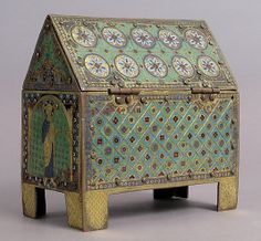 Chasse with Christ in Majesty and Apostles Date: ca. Geography: Made in Limoges, France Culture: French Medieval Art, Renaissance Art, Painted Boxes, Wooden Boxes, Decorative Objects, Decorative Boxes, Romanesque Art, Art Roman, Medieval Furniture