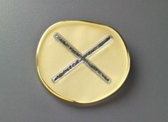 Donald Friedlich, Translucence Series brooch
