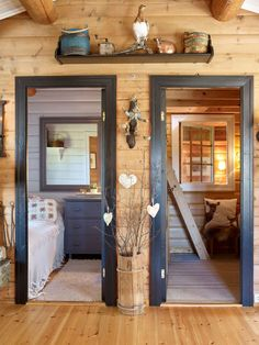 Forest Cabin, Scandinavian Home, Entryway Tables, Sweet Home, Old Things, Cottage, Windows, Mirror, Architecture