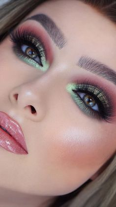 21 Galaxy Makeup Looks - Creative Makeup Ideas for Extraordinary Girls 21 Galaxy Makeup Looks - Creative Makeup Ideas for Extraordinary Girls. Love My Makeup, Makeup For Green Eyes, Pretty Makeup, Prom Eye Makeup, Galaxy Makeup, Makeup Goals, Beauty Makeup, Makeup Tips, Makeup Ideas