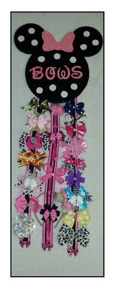 Minnie Mouse Bow Holder - saw an idea for girls to make their own hair bows and boys to make bow ties for part of their gift bags - maybe an easy way to dry their crafts. Minnie Mouse Nursery, Minnie Mouse Bow, Baby Mouse, Mini Mouse, Disney Crafts, Mouse Parties, Little Girl Rooms, 2nd Birthday Parties, My Baby Girl