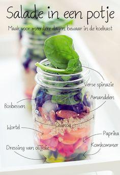Salade in een potje, makkelijk, leuk, snel en gezond. Met een salade in een potje krijg je dagelijks je extra portie vitamines en mineralen binnen.