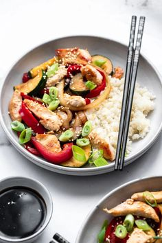 This Easy Low Carb Keto Chicken Stir Fry uses chicken and simple ingredients to make a family-friendly meal that is quick, easy and healthy too! Easy Whole 30 Recipes, Best Gluten Free Recipes, Paleo Recipes Easy, Best Chicken Recipes, Clean Eating Recipes, Real Food Recipes, Healthy Chicken Stir Fry, Keto Stir Fry, Keto Chicken