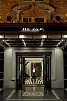 The Mark - With stylish art deco interiors, seamless service and a prime location in Manhattan's Upper East Side, it's no wonder The Mark is a stalwart favourite of the glitterati and our number one pick. This is boutique hotelling at it's very best.