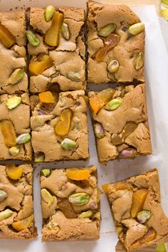 Sometimes this whole food blogging business can be downright painful. See, I'm sitting here at my computer, remembering what these blondies smelled like as they were baking...like buttery, caramell...